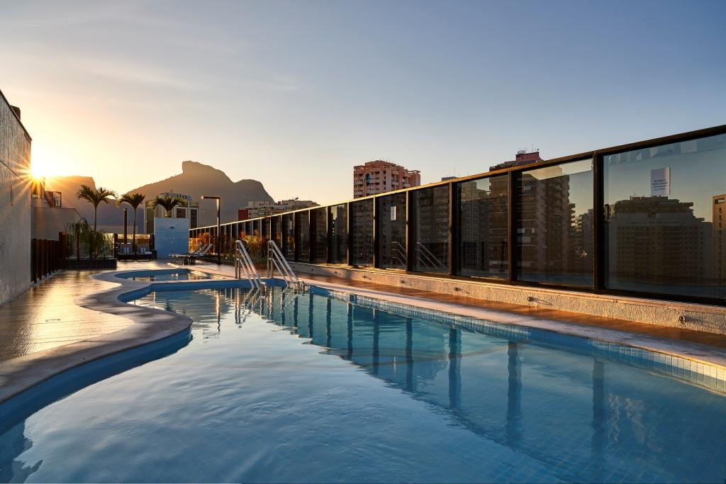 Radisson Barra pool low
